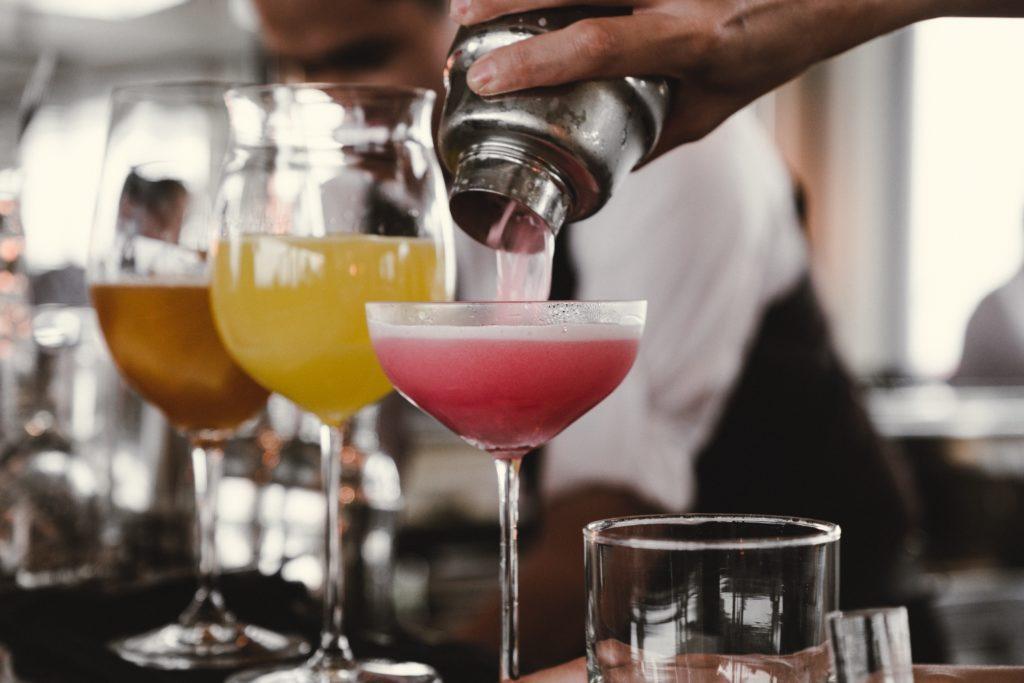 Juomat toimivat hyvin yhdessä muiden äitienpäivän tapahtumaideoiden kanssa.