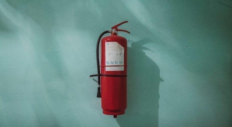 Hyvinvointi ja turvallisuus tapahtumissa: pidä palosammuttimia helposti saatavilla