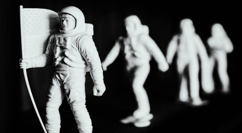 Tiiminrakennusaktiviteetteja voi järjestää avaruudessakin, mutta parhaat tapahtuvat kuitenkin kotoisasti Maa-planeetalla.